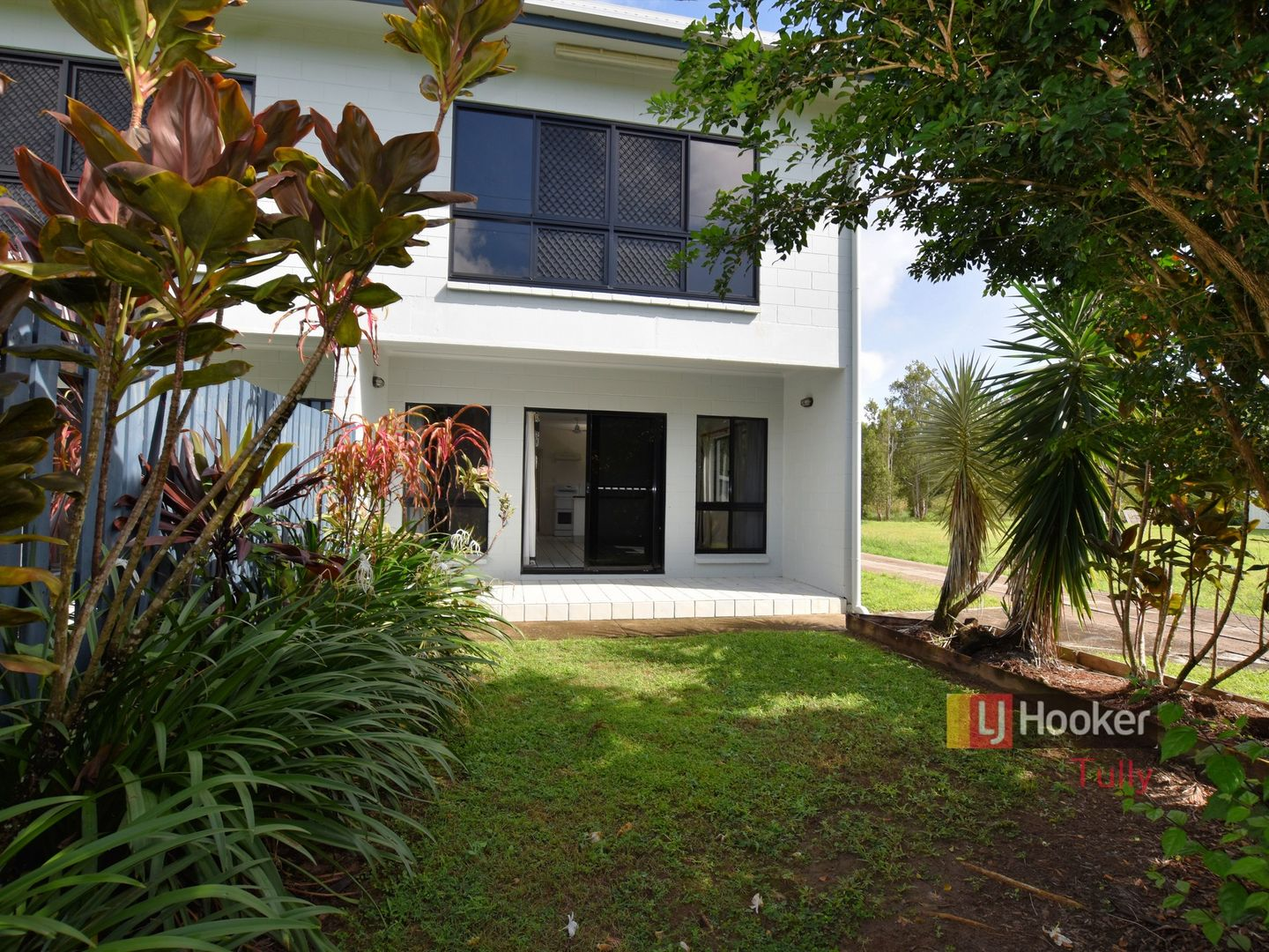 1/117 Taylor Street, Tully Heads QLD 4854, Image 0
