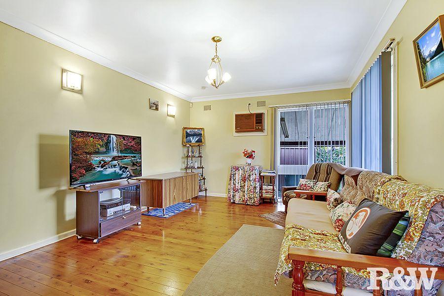 16 Mangariva Avenue, Lethbridge Park NSW 2770, Image 2