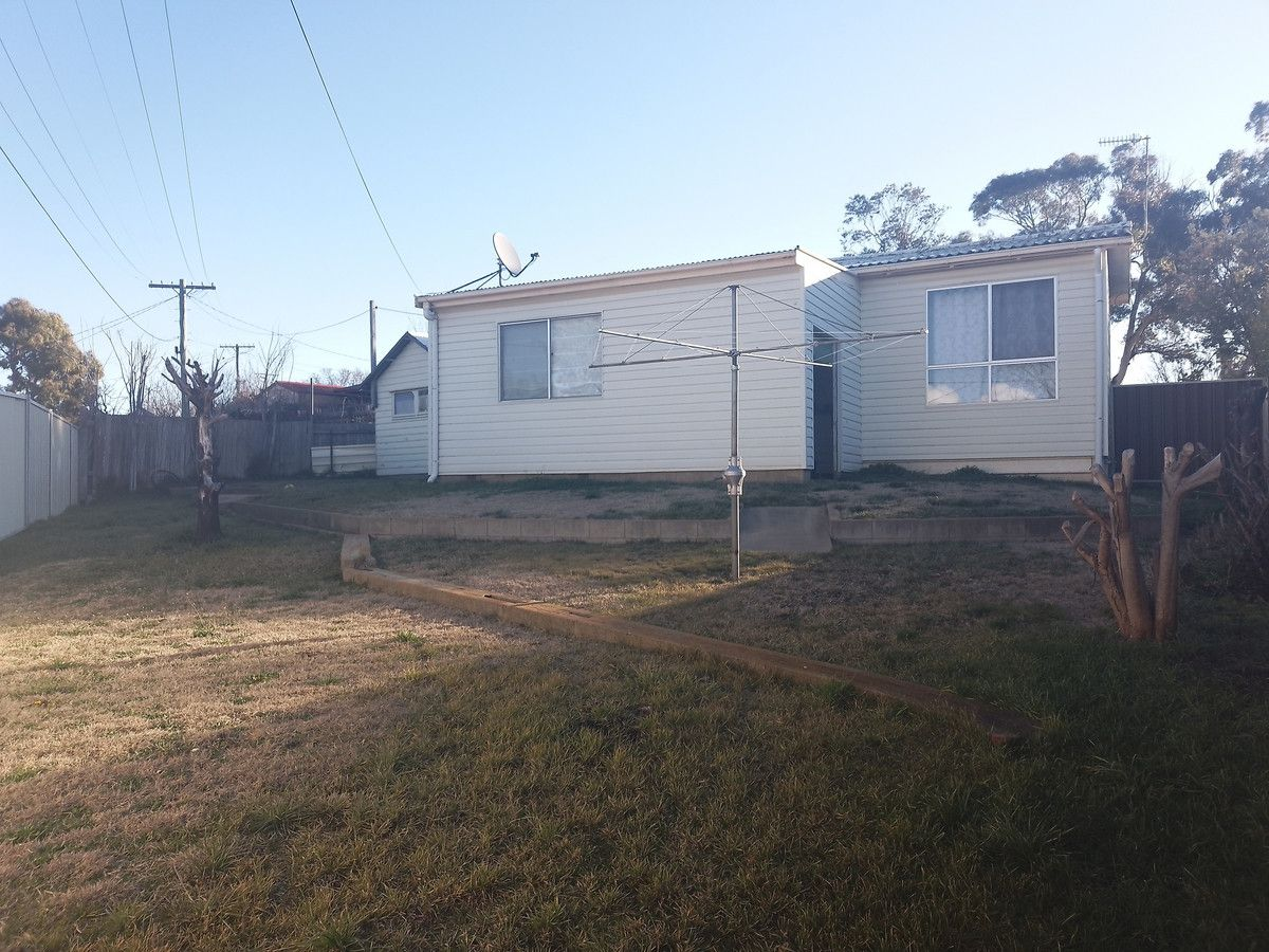 9 Wonga Street, Cooma NSW 2630, Image 2