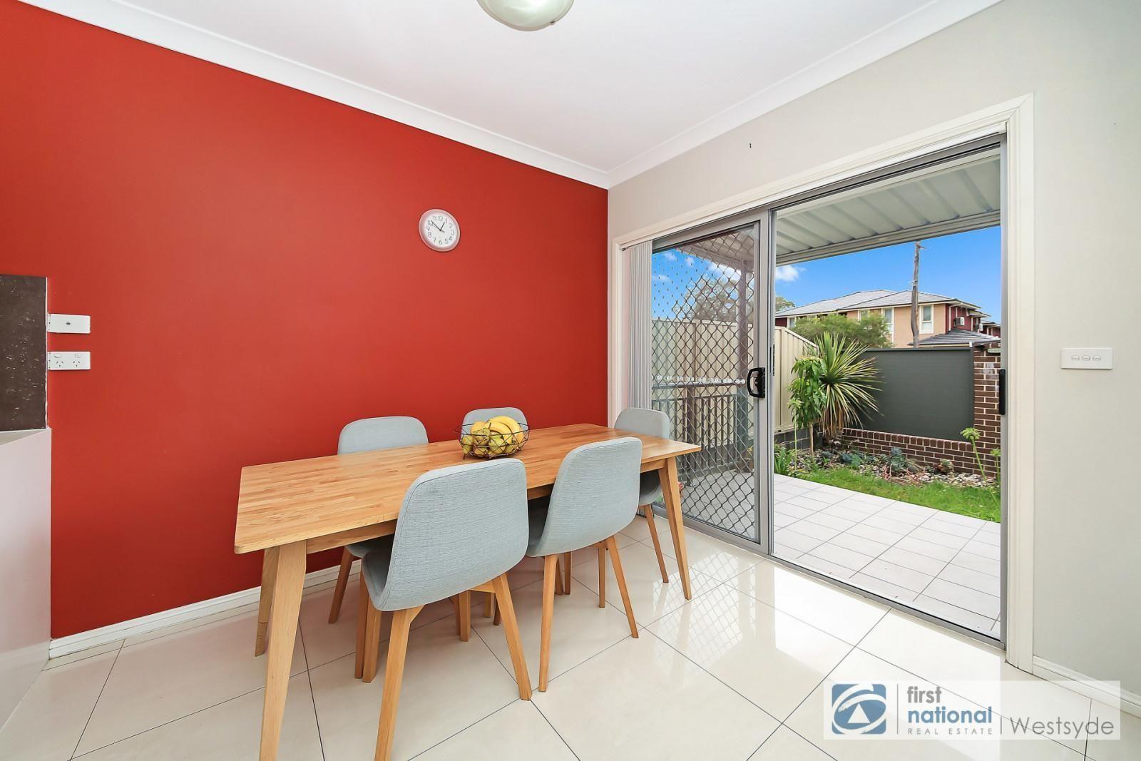 2/56 Tungarra Road, Girraween NSW 2145, Image 2