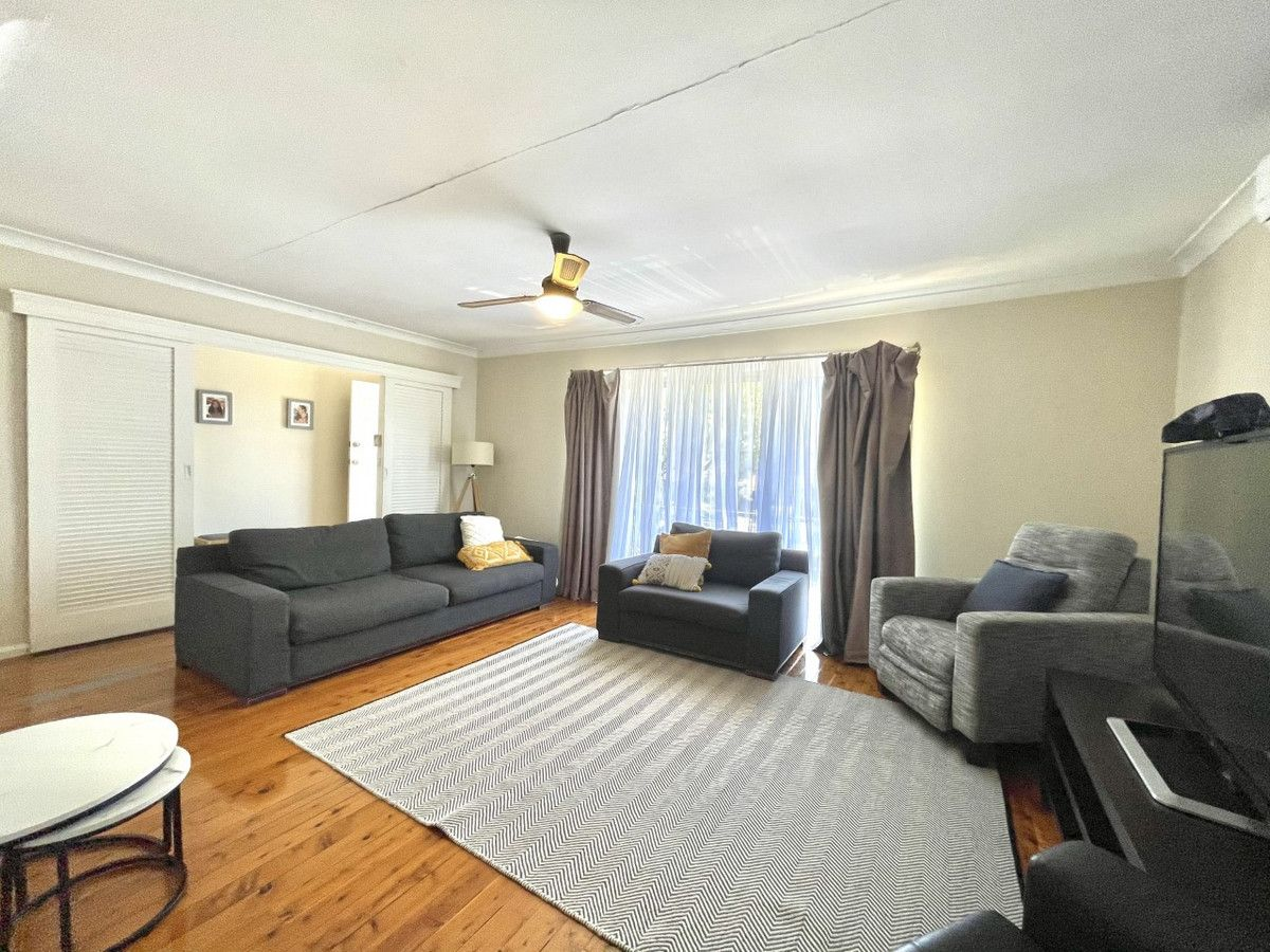 3 Tucabia Avenue, Georges Hall NSW 2198, Image 1