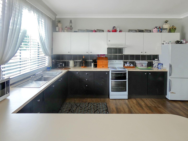 8 Dry Street, Boorowa NSW 2586, Image 2