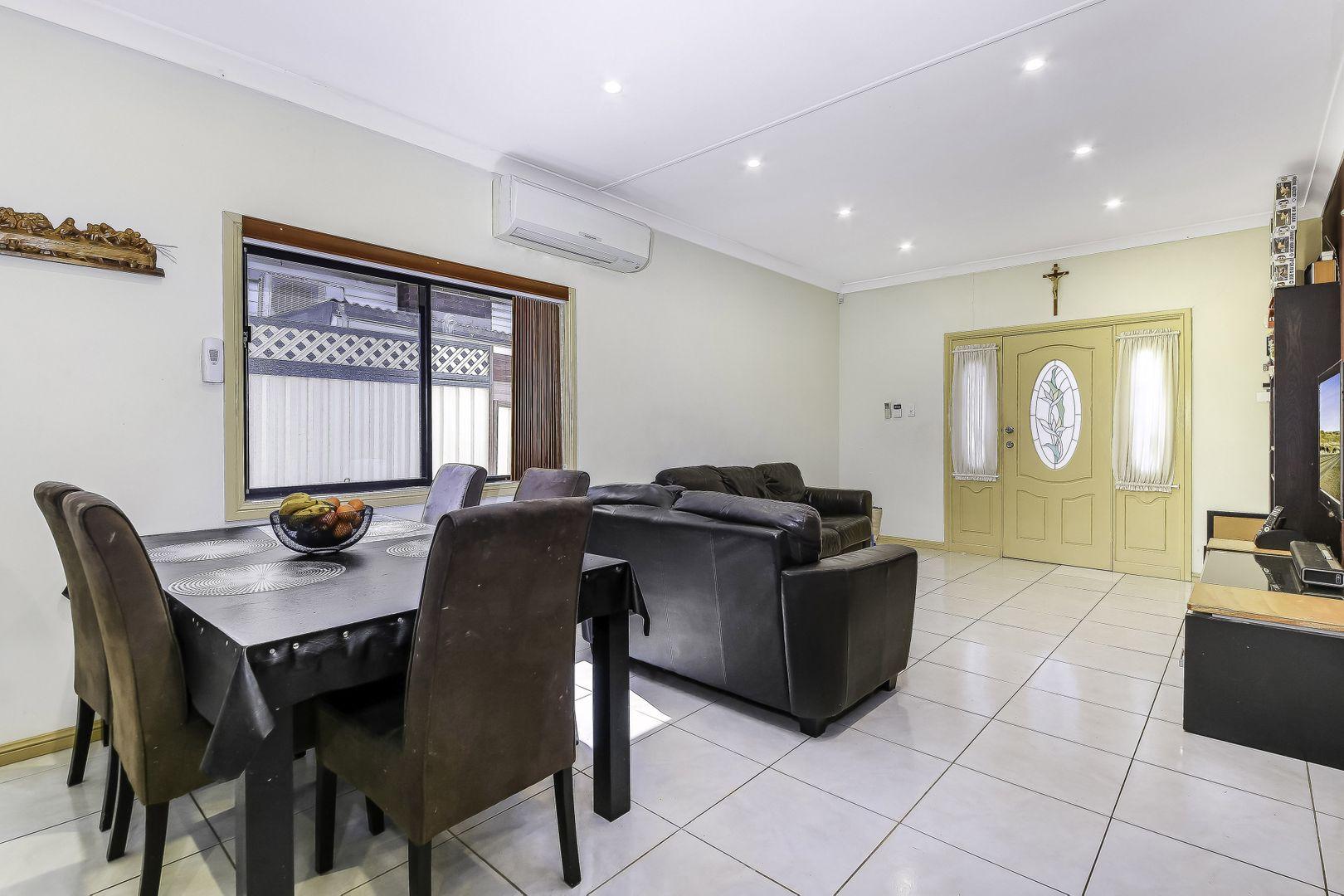 24 Downing Avenue, Regents Park NSW 2143, Image 2