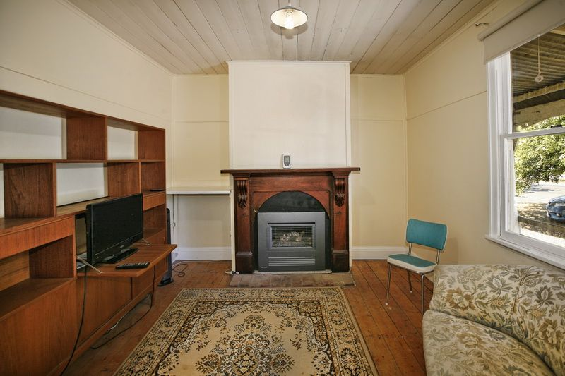 1/37 Urquhart Street, Woodend VIC 3442, Image 1
