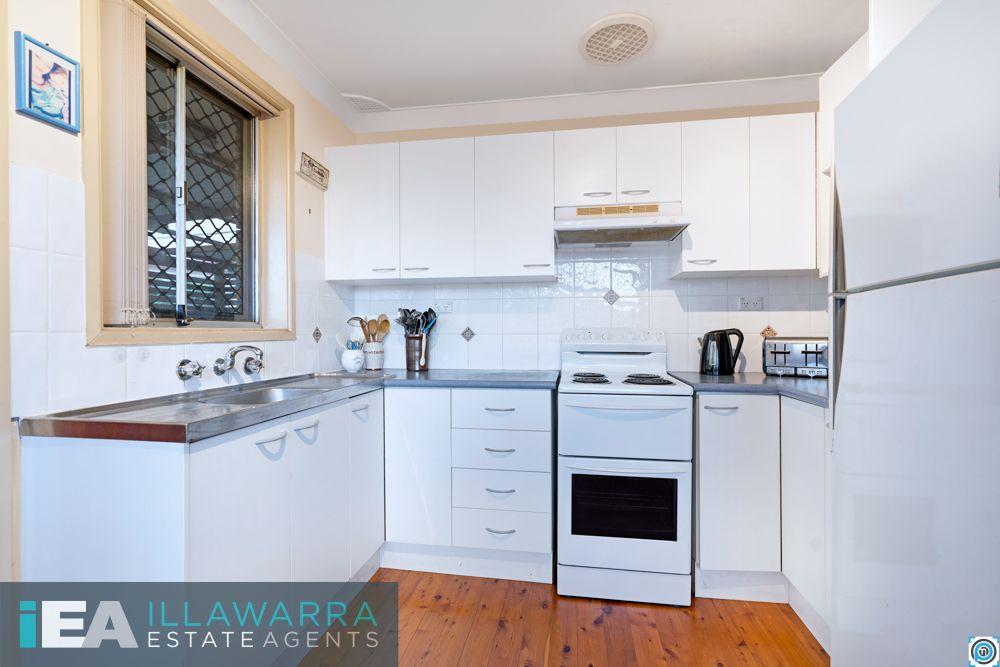 16 Rowley Avenue, Mount Warrigal NSW 2528, Image 2