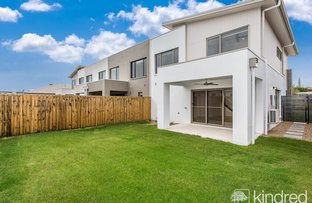 Picture of 128 Spinnaker Boulevard, Newport QLD 4020