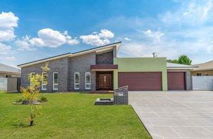 Picture of 28 Taloumbi Place, Orange NSW 2800