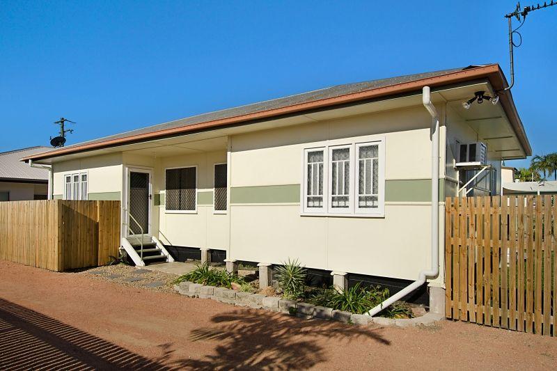 3/114 Eyre Street, North Ward QLD 4810, Image 0