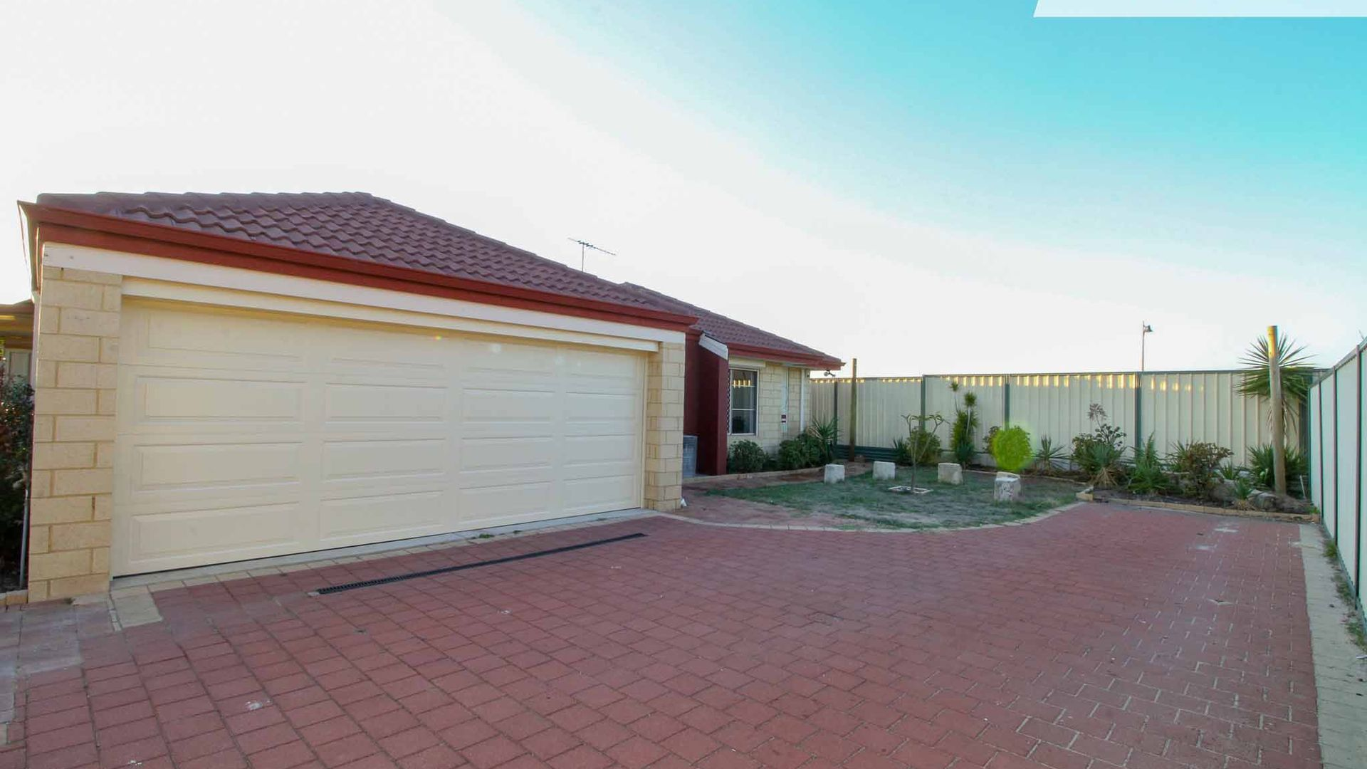 12 Donegal Crt, Seville Grove WA 6112, Image 1