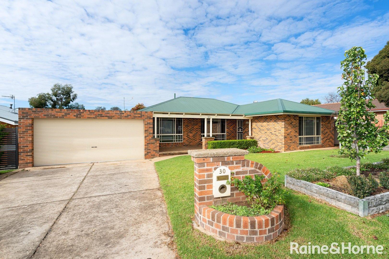 30 Lamilla Street, Glenfield Park NSW 2650, Image 0