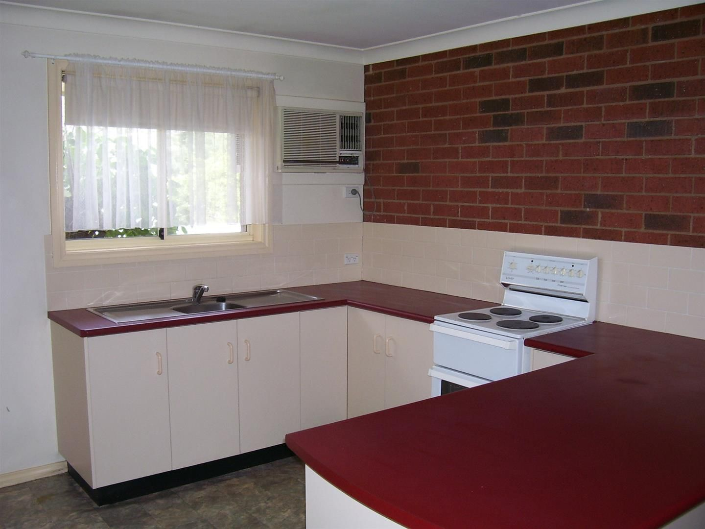 3/35A Cecile Street, Parkes NSW 2870, Image 2