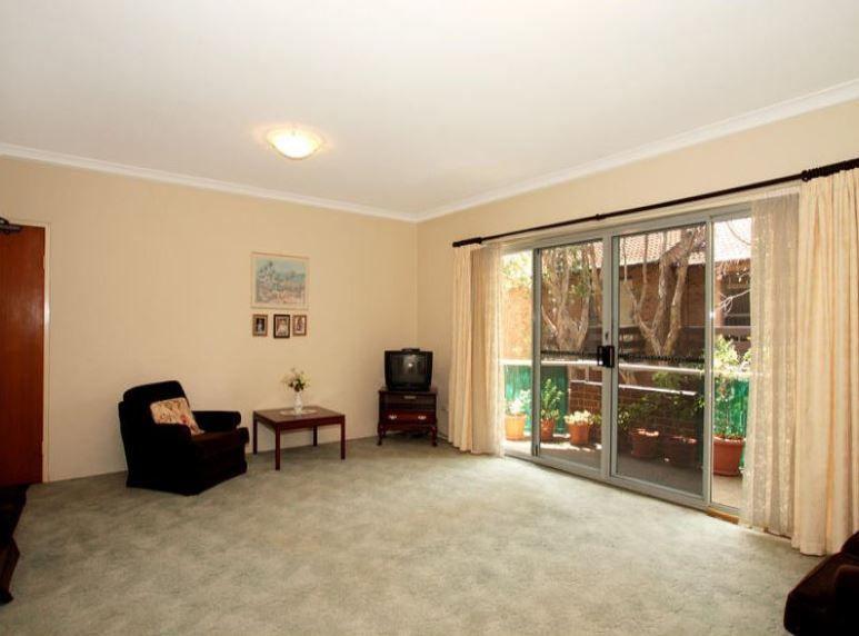 2/24 Hainsworth Street, Westmead NSW 2145, Image 2