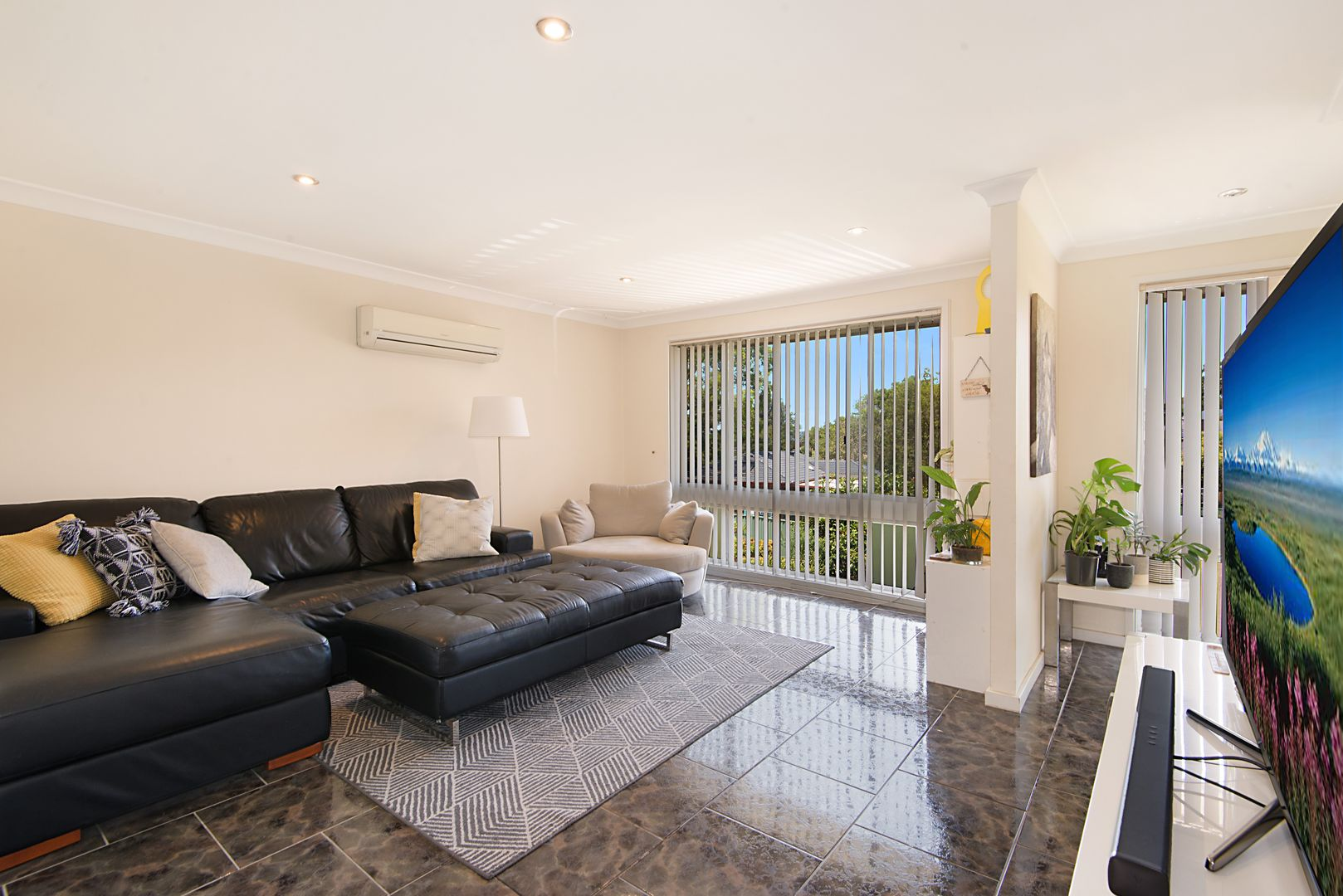 18 Buchan Place, Kings Langley NSW 2147, Image 1