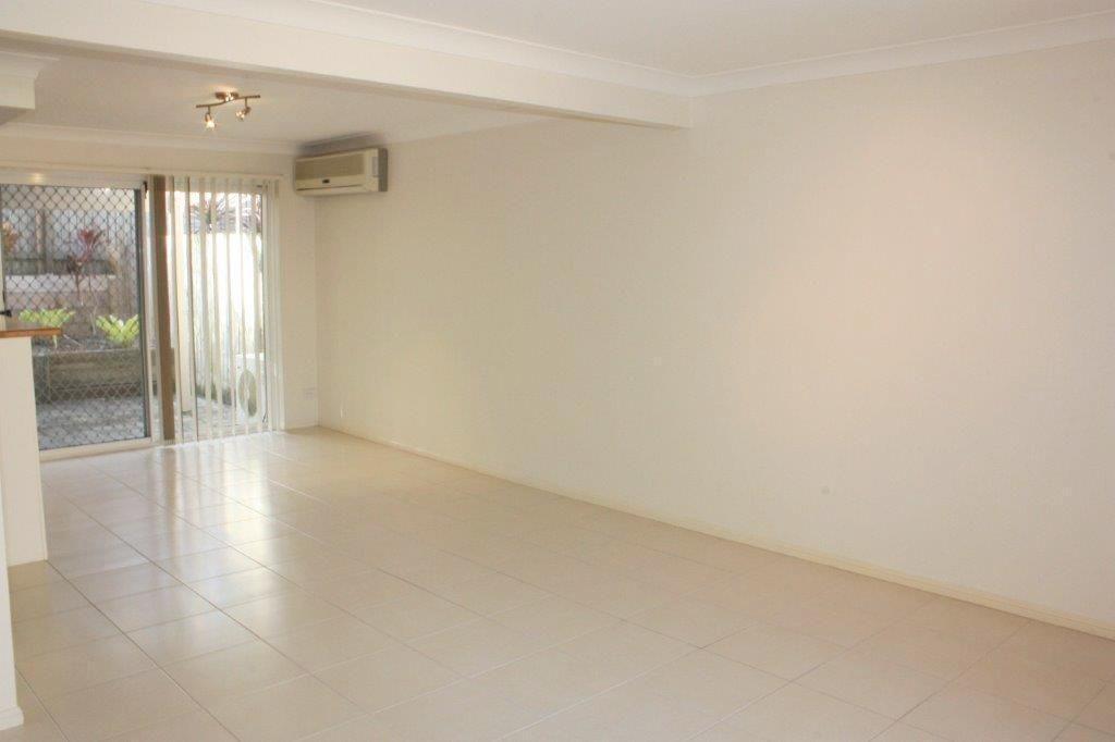 1/63 Benowa Road, Southport QLD 4215, Image 2