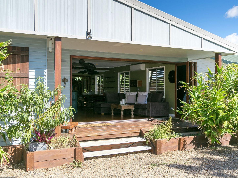 504 Charlton Esplanade, Urangan QLD 4655, Image 0