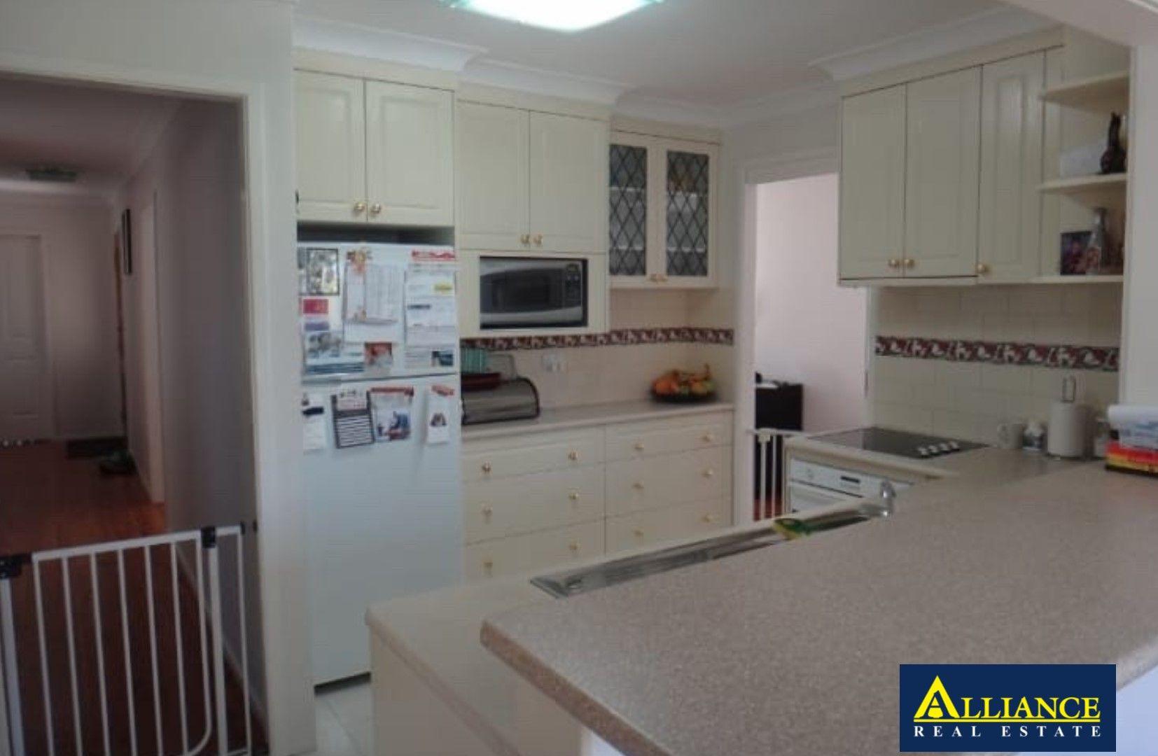 10 Zonnebeke Crescent, Milperra NSW 2214, Image 2