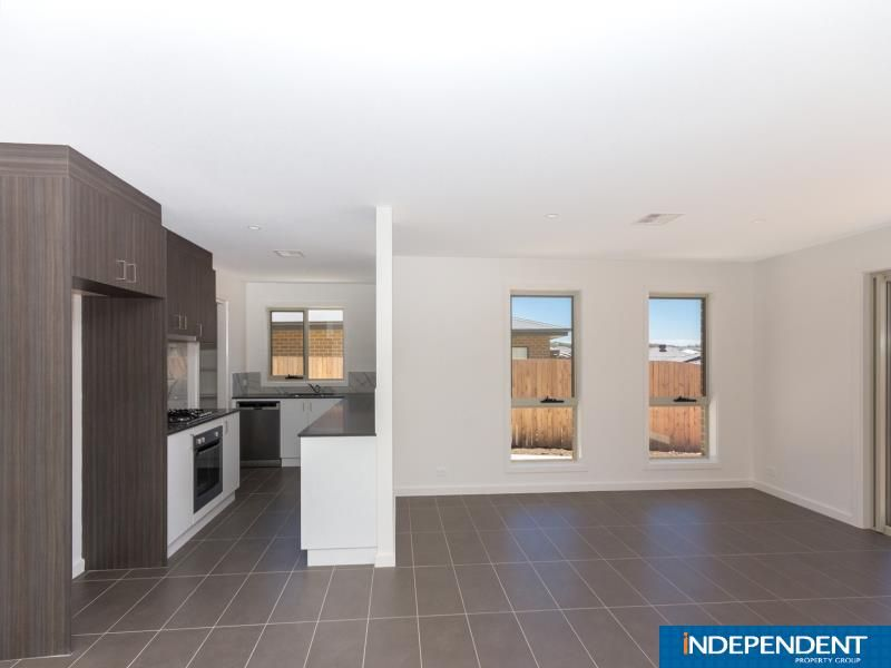 22 Rockwood CRESCENT, Casey ACT 2913, Image 2