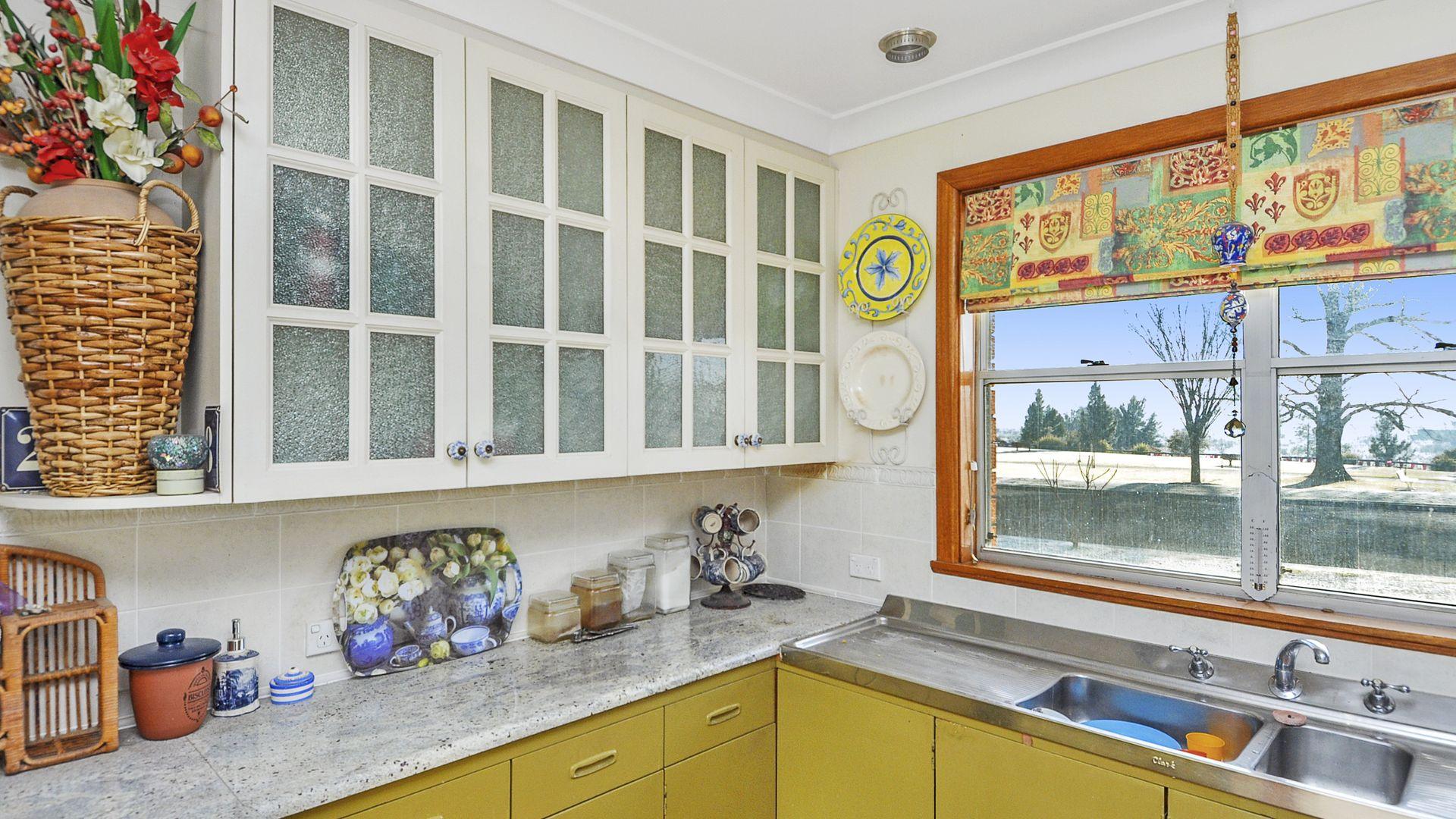 28 Stanley Street, Bathurst NSW 2795, Image 2