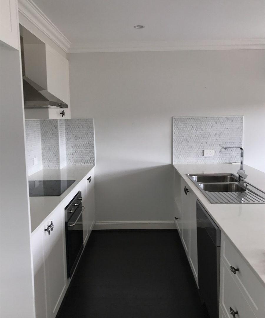 5/207 Menangle Street, Picton NSW 2571, Image 2