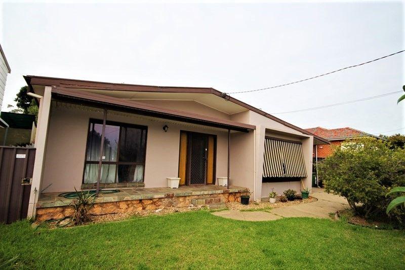 19 Waranga Avenue, Mount Austin NSW 2650, Image 0