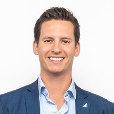 Lukas Santinon, Sales representative