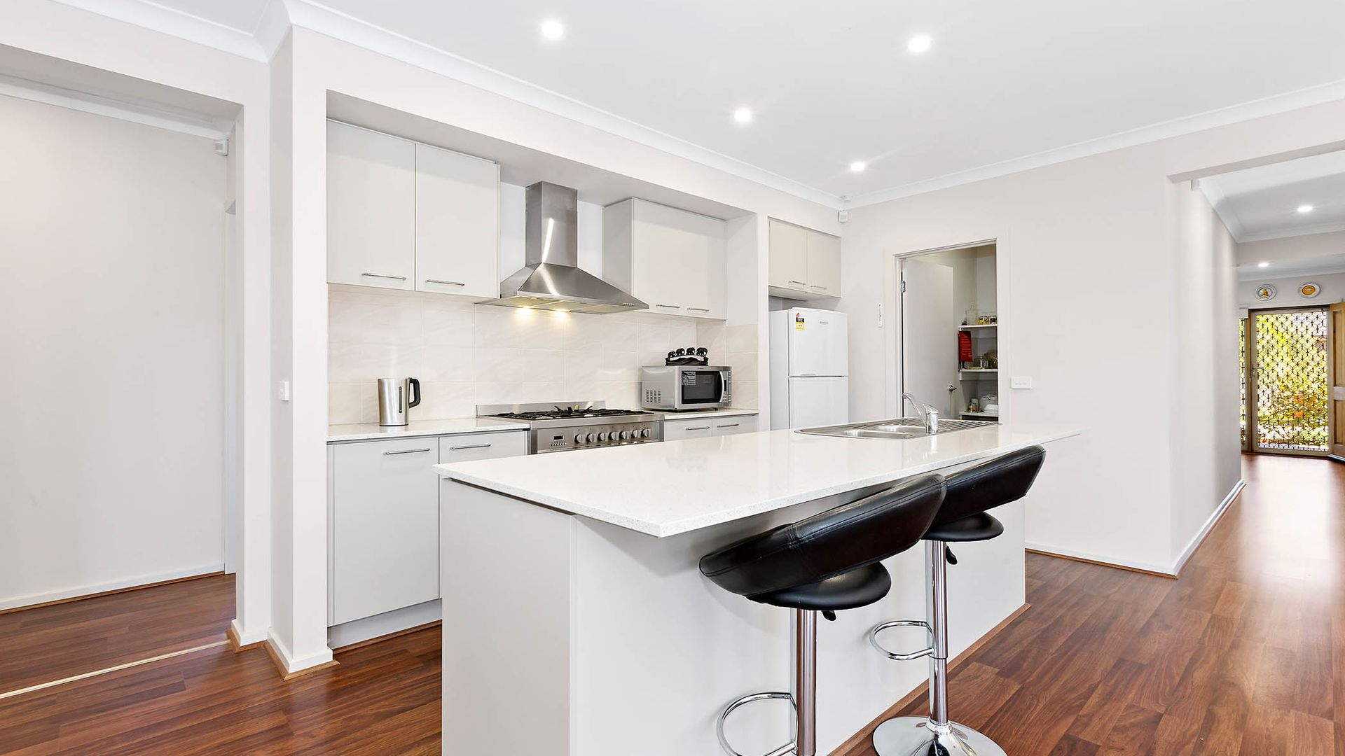 8 Allambee Drive, Harkness VIC 3337, Image 2