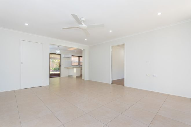 7 St Quentin Road, PETRIE QLD 4502