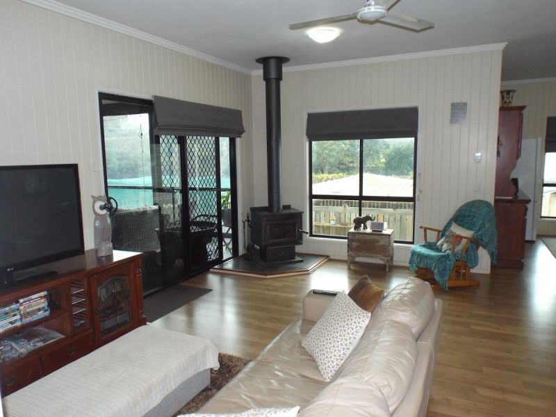 33 Sonaree Drive, Kingaroy QLD 4610, Image 2