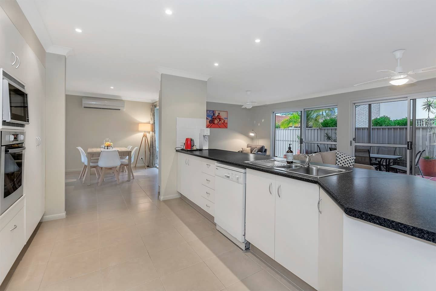 30 Coronet Crescent, Burleigh Waters QLD 4220, Image 2