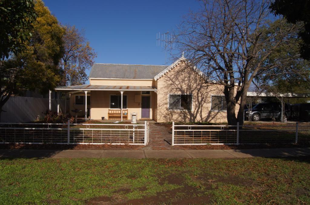 36 Pinnuck Street, Finley NSW 2713, Image 0