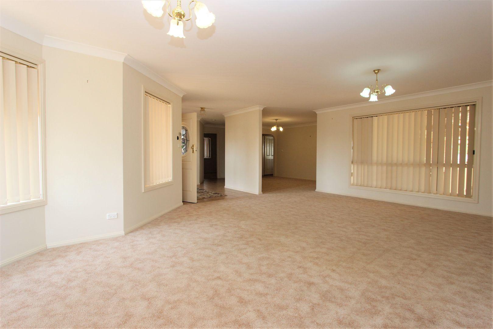 4 Williams Street, Temora NSW 2666, Image 2
