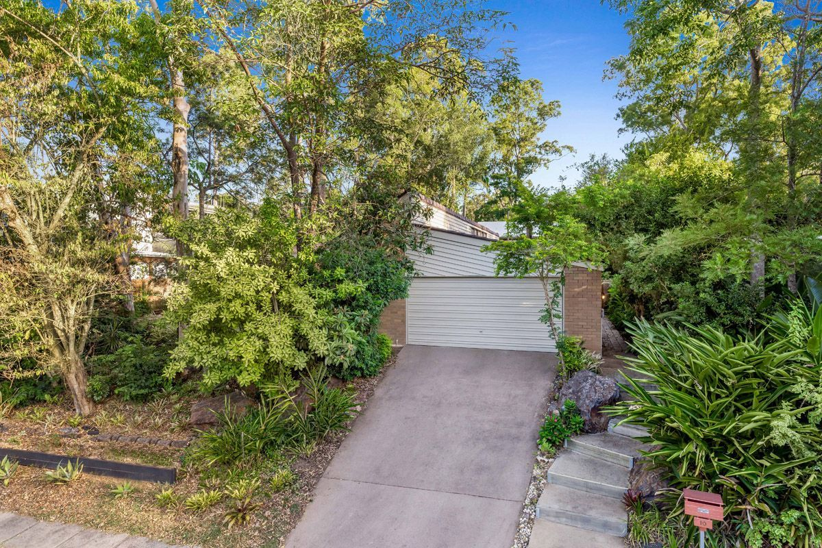 10 Quinty St, Fig Tree Pocket QLD 4069, Image 2