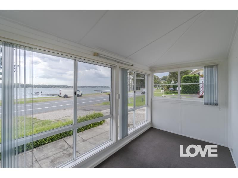 11 George Street, Marmong Point NSW 2284, Image 2