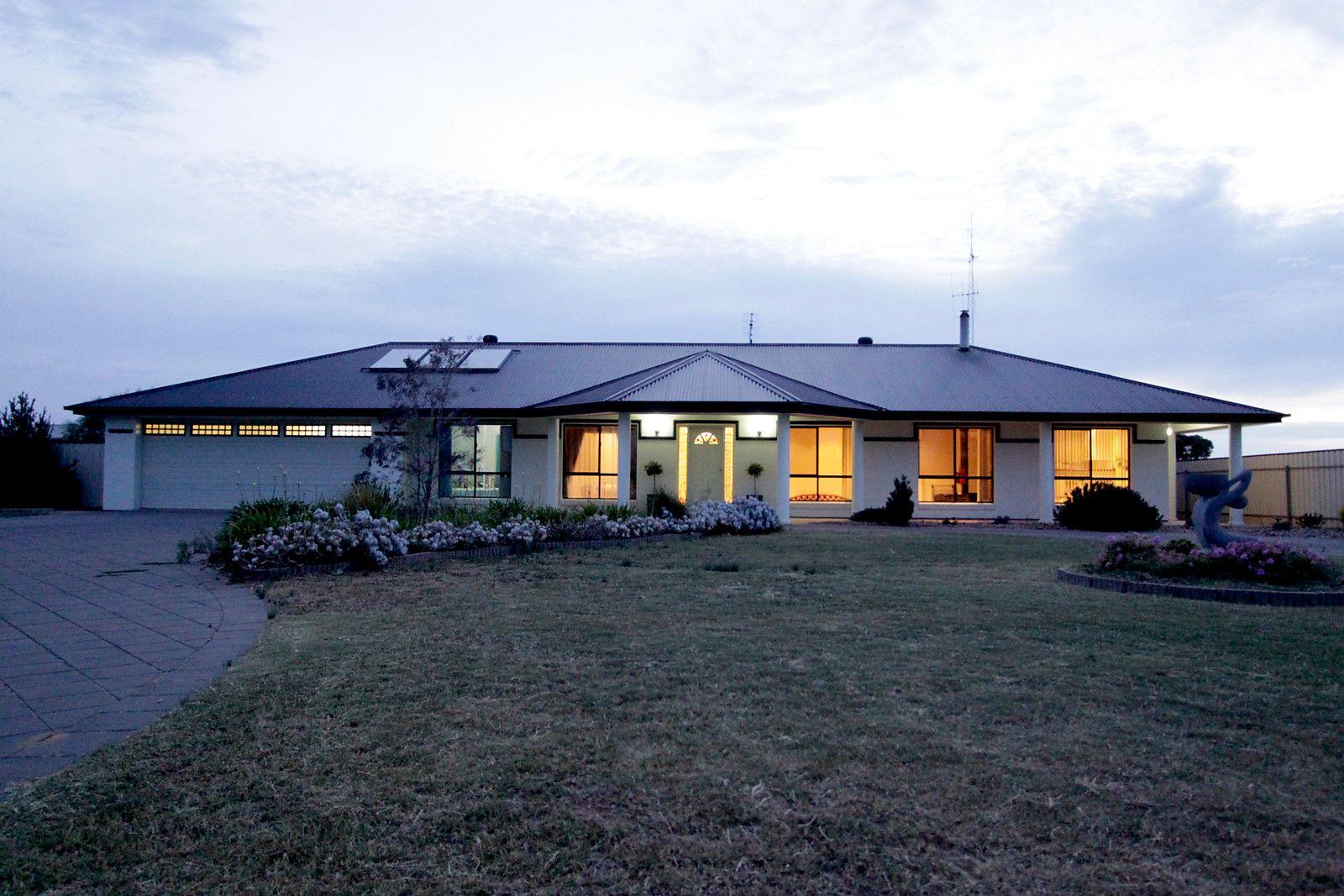 88-94 North Terrace, Moonta Bay SA 5558, Image 2