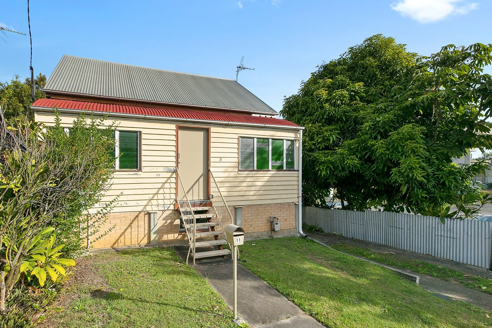 11 Harrogate Street, Woolloongabba QLD 4102, Image 0