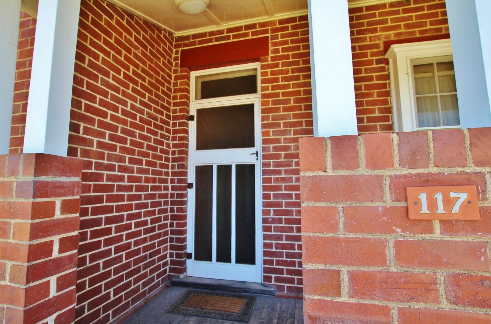 117 Nasmyth Street, Young NSW 2594, Image 2