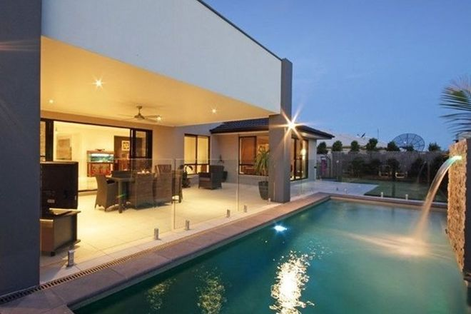 Picture of 4 Whitehaven Way, PELICAN WATERS QLD 4551