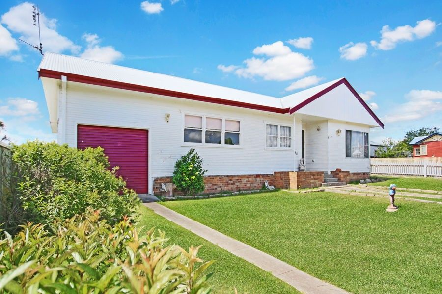 114 Miles Street, Tenterfield NSW 2372, Image 1