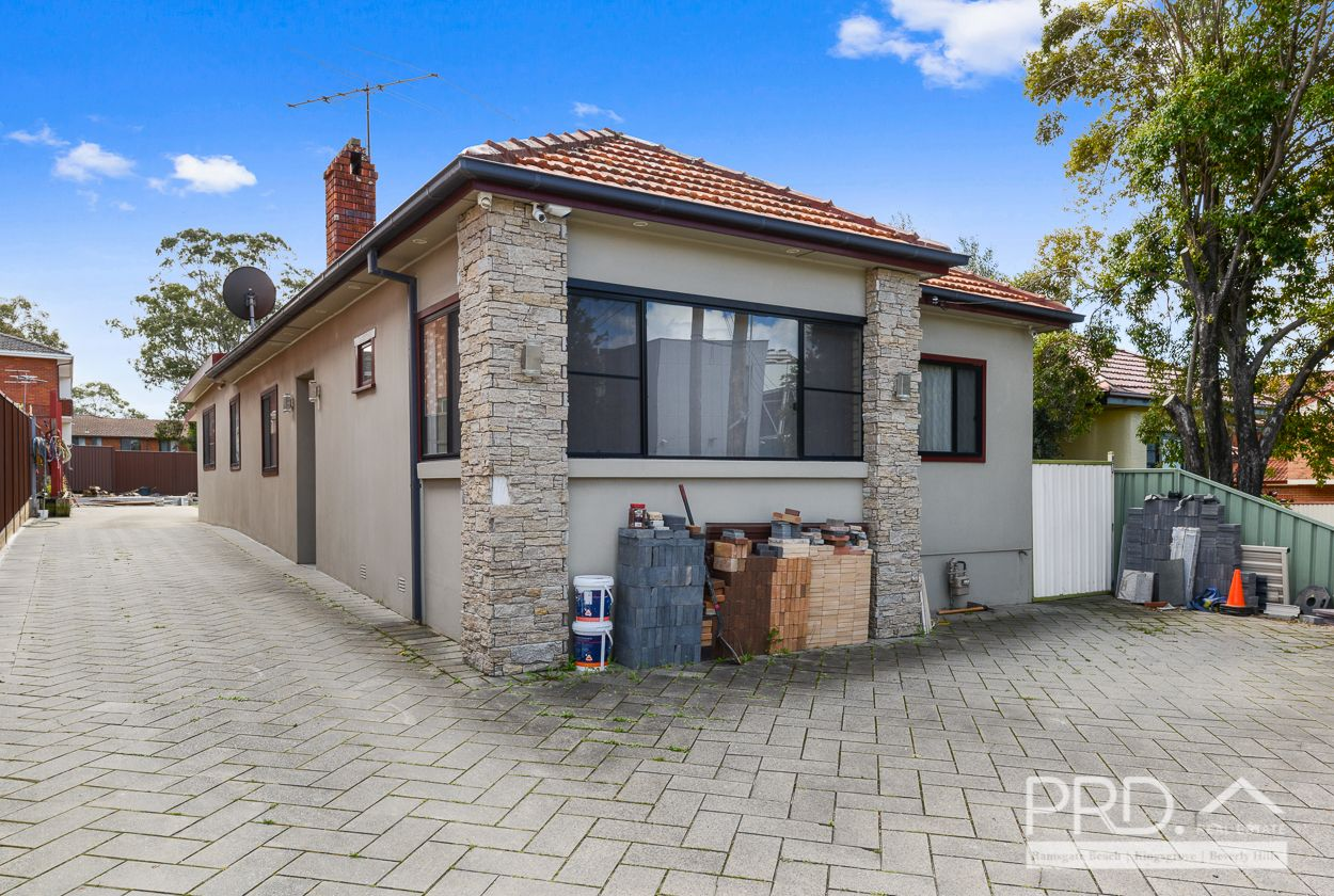 6 Hoskins Avenue, Bankstown NSW 2200, Image 1