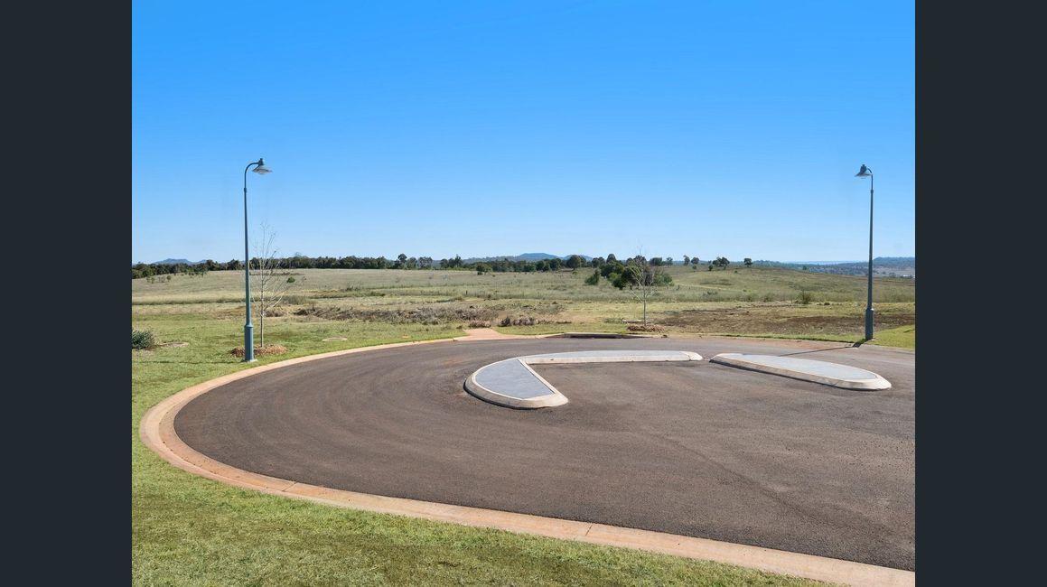 Amelia Court, Highfields QLD 4352, Image 2