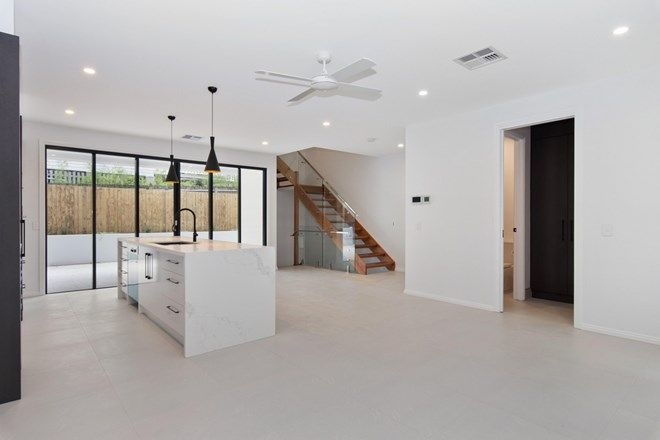 Picture of 3/9 Exeter Street, HAWTHORNE QLD 4171