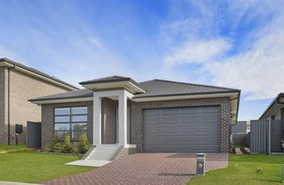 56 Oakland Circuit, Gregory Hills NSW 2557