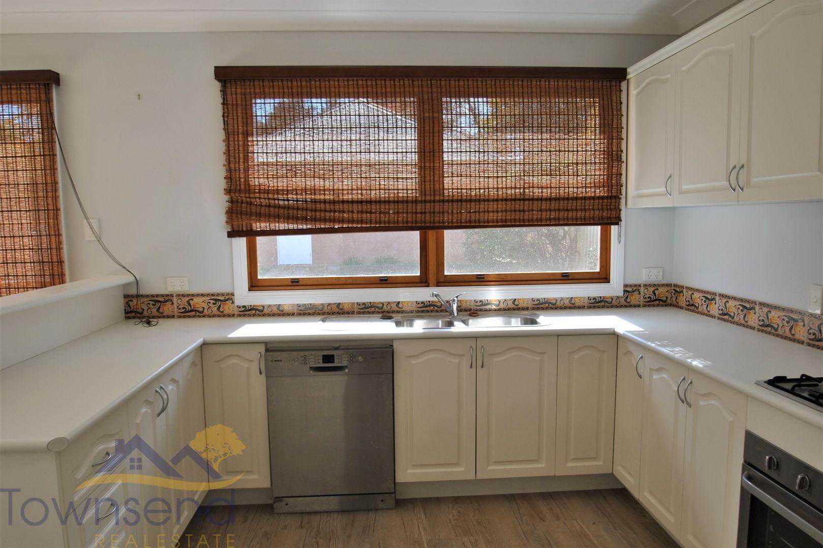 75 Moulder  Street, Orange NSW 2800, Image 2