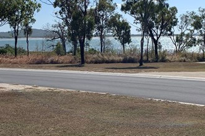 Picture of 71 Whyte Avenue, BRISK BAY QLD 4805