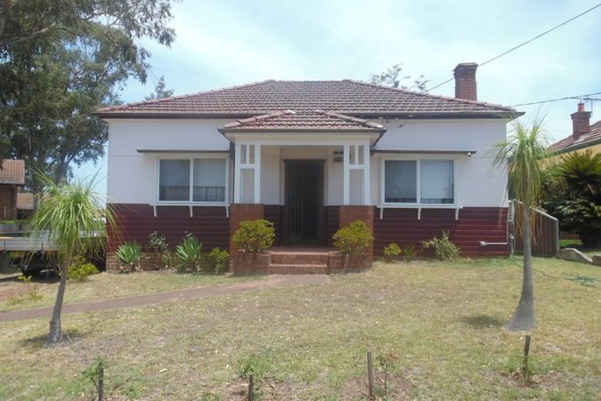 Picture of 182 Dunmore Street, WENTWORTHVILLE NSW 2145