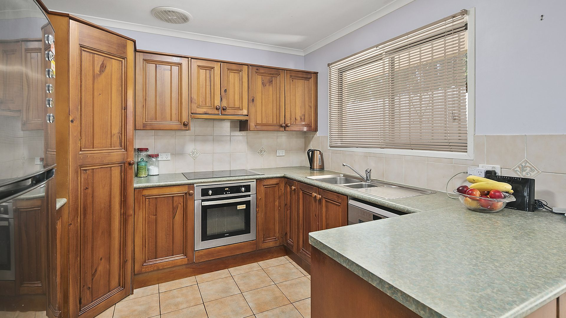 107 Burbank Road, Birkdale QLD 4159, Image 2