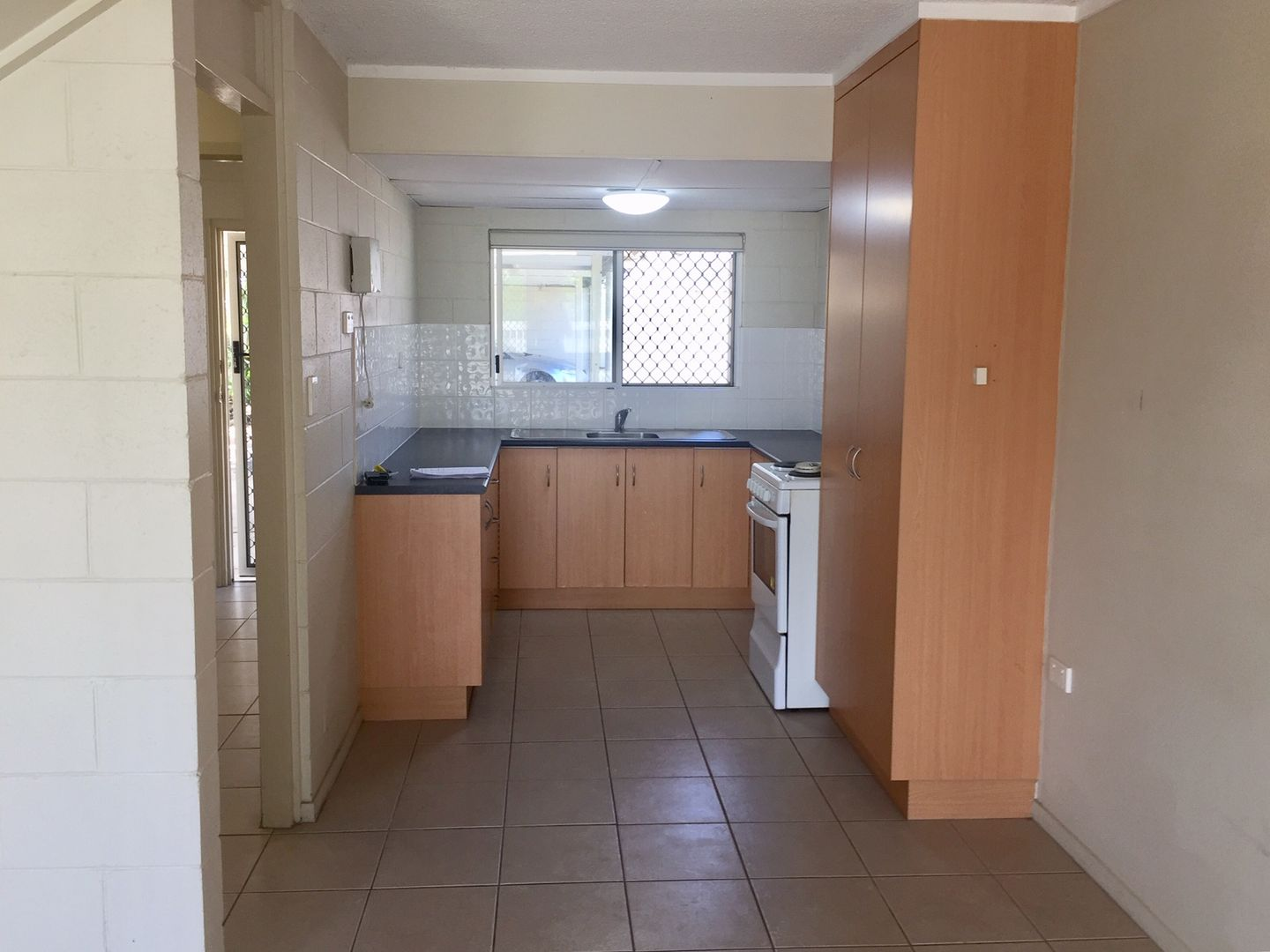 1/165 Francis Street, West End QLD 4810, Image 1