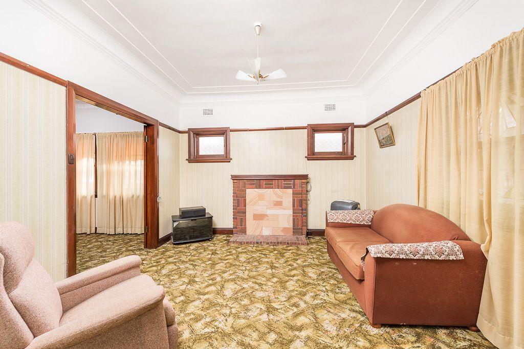 8 Toomevara Street, Kogarah NSW 2217, Image 2
