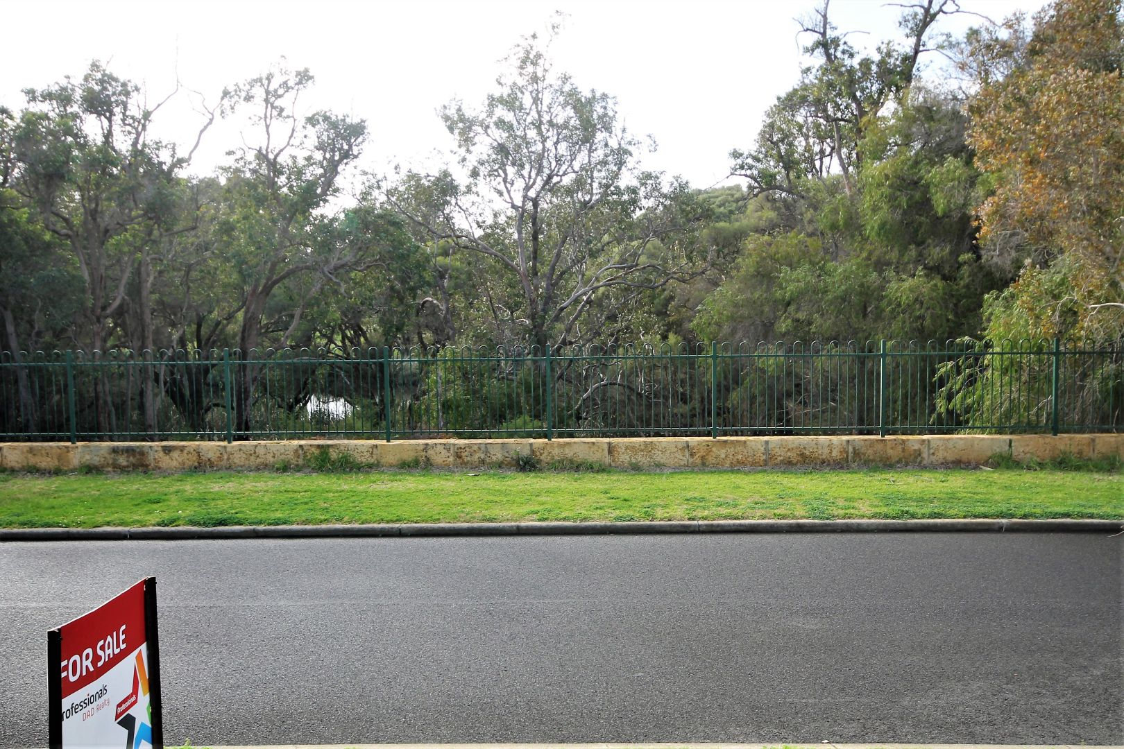 8 Flannerys Lane, Australind WA 6233, Image 1