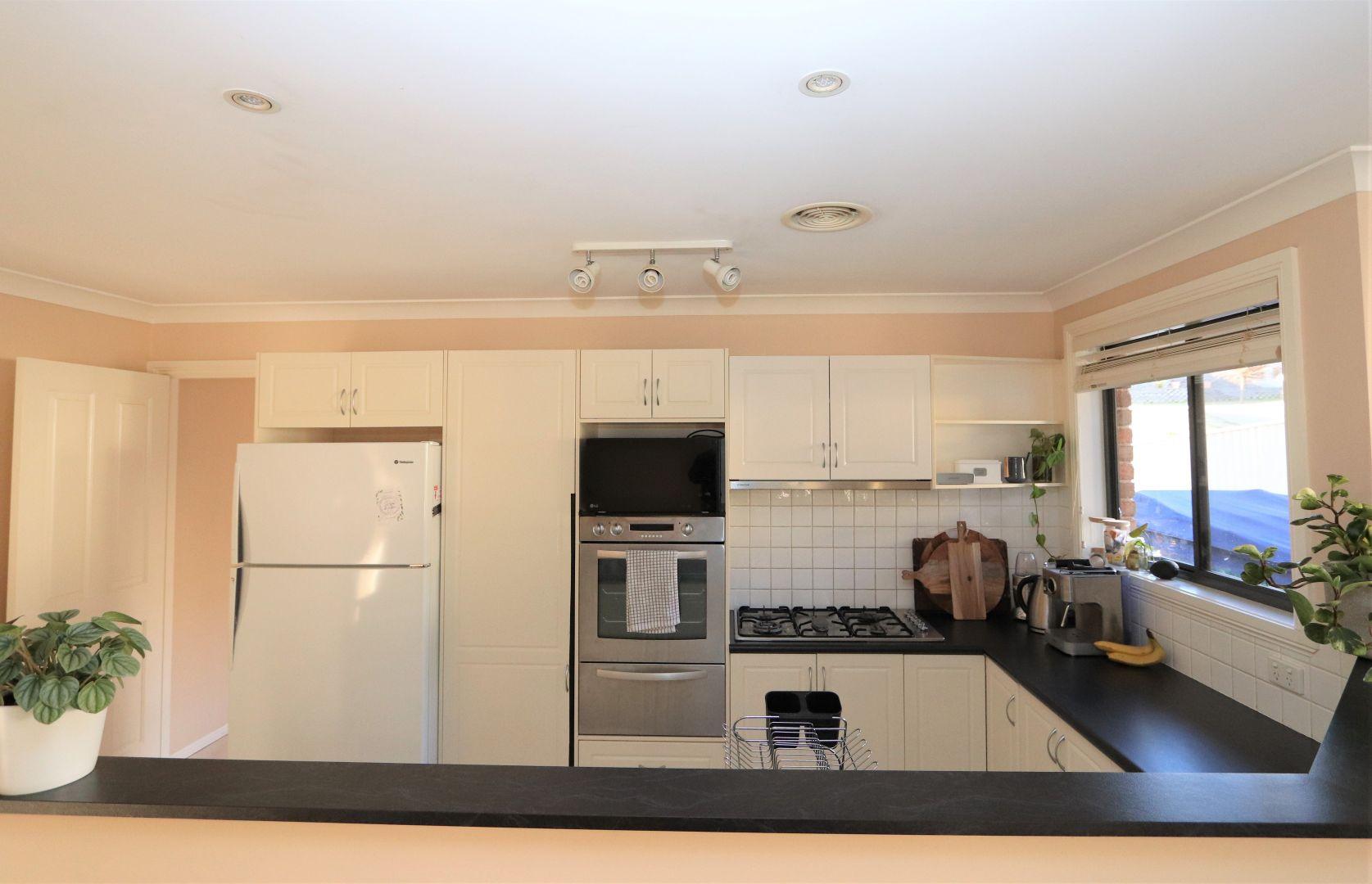 8 Jarrah Court, Kelso NSW 2795, Image 2